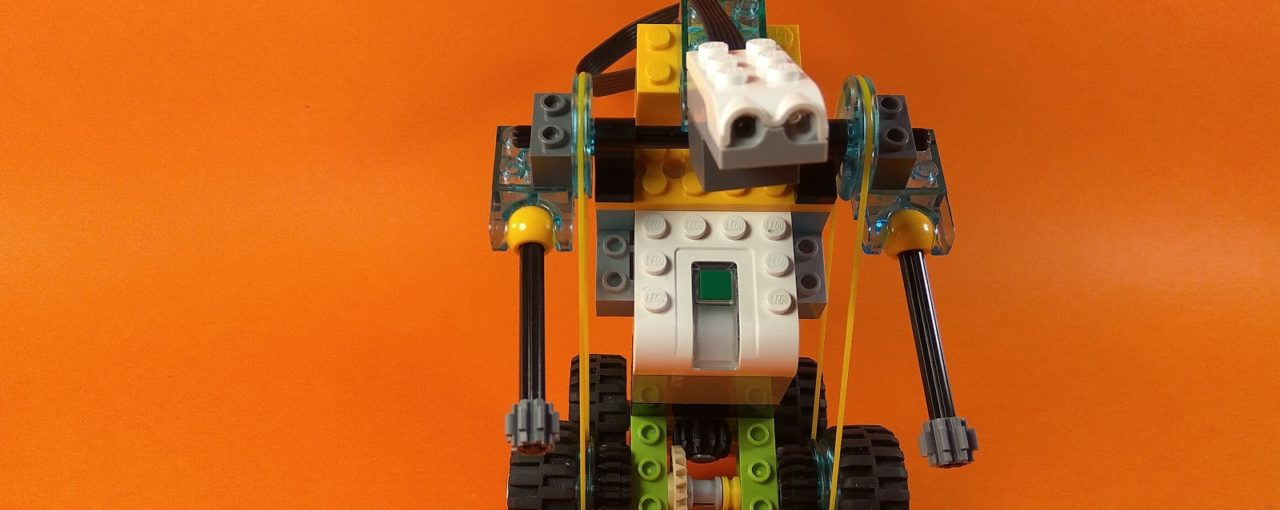 Ребята на первом занятии собрали LEGOробота Майло