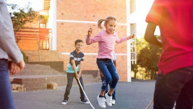5 отличных идей, чем занять ребёнка летом в городе.